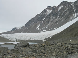 Hughe's Glacier and Lake Bonney (Thomas Nylen)